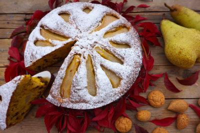 torta pere amaretti e cioccolato